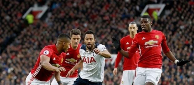 Manchester United v Tottenham Hotspur - Premier League - Old ... - gettyimages.fr