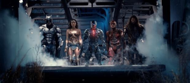Se aproxima o dia em que os deuses do amanhã se unirão nos cinemas do mundo.