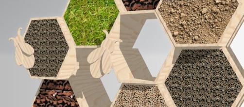 Il primo in Italia realizzato sul lungolago di Mantova, accoglie e protegge le api solitarie in 'camere' con vista. Foto: realizzatoridiidee.it