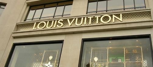 Louis Vuitton assume in diverse mansioni