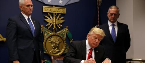 Trump bans people from Syria and six other Muslim countries | TRT ... - trtworld.com