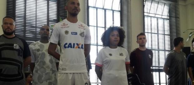 Este será o uniforme que o Santos atuará em 2017