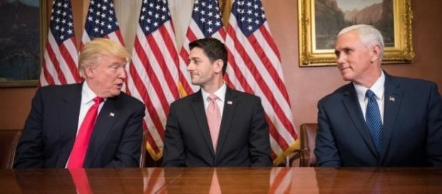 Präsident Trump, Republikaner Ryan, Vizepräsident Pence (v.l.n.r.) - Foto: Public Domain/ US Govt.