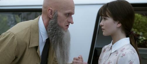 Count Olaf (Neil Patrick Harris) confronts Violet Baudelaire (Malina Weissman). (Photo via Joe Lederer, Media.Netflix.com. Used by permission.)