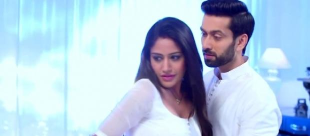 Anika and Shivaaye romance in Ishqbaaz (Youtube screengrab)