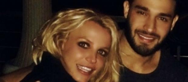 #BritneySpears conferma il suo flirt con #SamAsghari. #BlastingNews