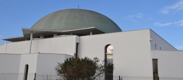 La grande mosquée de Givors (Rhône) fait débat - PV