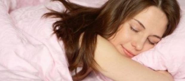 Toda mulher deve tomar cuidado com o tecido da calcinha, principalmente na hora de se deitar