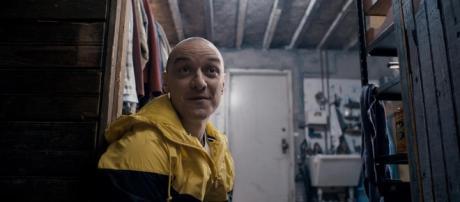 Shyamalan's Split Trailer Gives James McAvoy Terrifying Multiple ... - movieweb.com