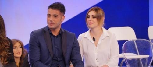 Aldo Palmieri e Alessia Cammarota seminano indizi sulla loro relazione su Instagram.