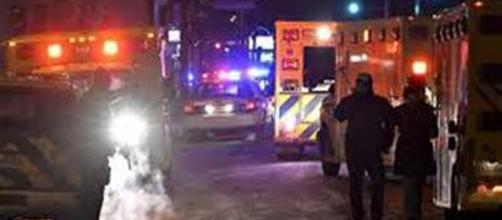 L'arrivo dei soccorsi dopo l'attacco alla moschea di Quebec City.