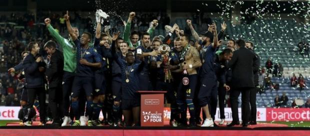 Brasileiro marca e zebra Moreirense conquista a Taça da Liga