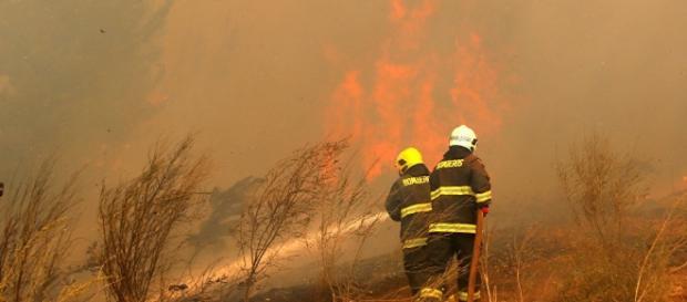 Chile recibe ayuda de otros países para luchar contra los incendios