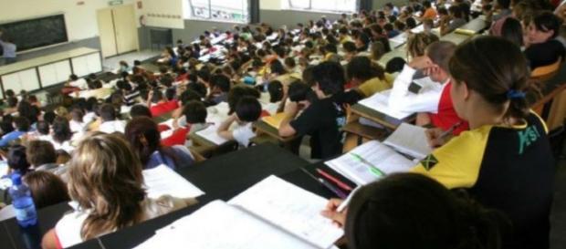 Oggi l'Università è la norma. Non c'è più selezione tra meritevoli e non meritevoli, ma è frequentata indistintamente da tutti