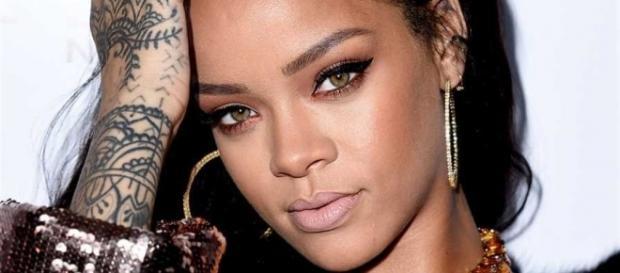 Rihanna teve seu número de telefone divulgado nas redes sociais