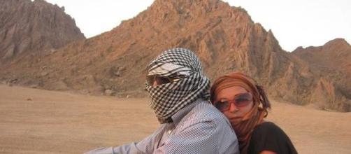 Annamaria Fontana e Mario Di Leva in uno dei loro viaggi in Medio Oriente