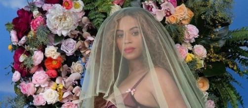 Beyoncé in dolce attesa: aspetta due bebè