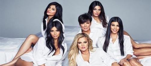 Família Kardashian se diverte durante viagem à Costa Rica