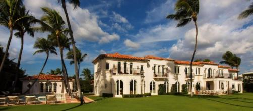 INSIDE THE AMAZING & INFAMOUS FORMER PALM BEACH KENNEDY COMPOUND ... - wordpress.com