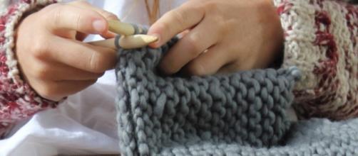 Lanaterapia: Los grandes beneficios para la salud de tejer a mano ... - mejorconsalud.com