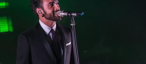 Nuovo duetto spagnolo per Marco Mengoni