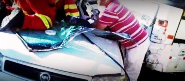 Cantor de dupla sertaneja sofre acidente de carro - Google