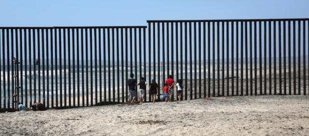 È realistico il progetto di Trump sul muro tra Messico e Stati ... - internazionale.it