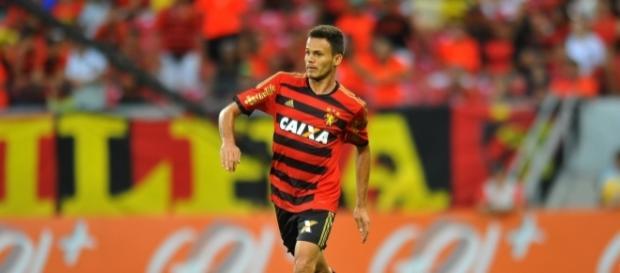 Flamengo analisa a contratação do lateral Renê (Reprodução/Aldo Carneiro)