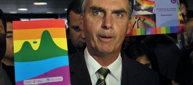 Jair Bolsonaro é apoiado por seguidores no Twitter