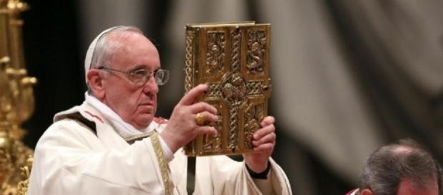 Notícia falsa sobre o Papa Francisco gera polêmica entre fiéis