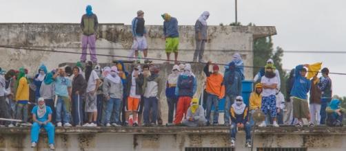 Rebelião chega ao fim em Piraquara com 5 mortos | Fábio Campana - com.br