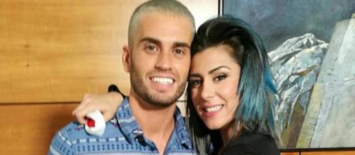 Rodrigo y Bea ('GH 17') muy enamorados fuera de la casa.