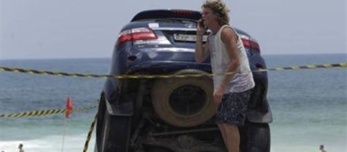 Acidente com o carro de Pedro Novaes aconteceu na praia de São Conrado