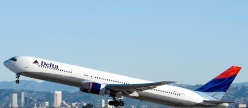 Delta: YouTube star was kicked off flight for disruptive behavior - vouxmagazine.com