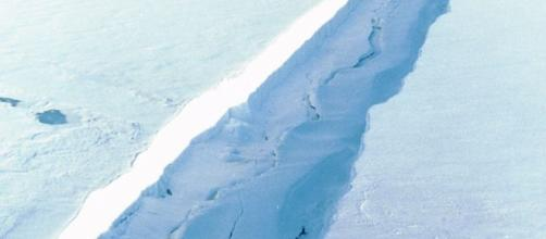Larsen C Ice Shelf Breakoff Coming: Crack Grew 14 Miles Jan-Aug ... - democraticunderground.com
