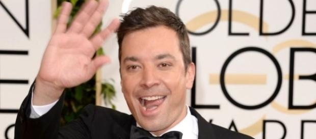 O comediante Jimmy Fallon vai apresentar o Golden Globe Awards 2017.