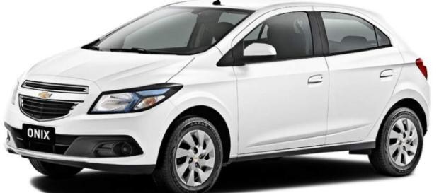 Onix, da Chevrolet, o carro mais vendido no Brasil por dois anos consecutivos