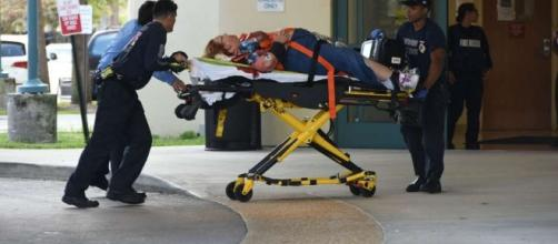 Fort Lauderdale airport shooting leaves 5 dead and 8 wounded. Photo: Blasting News Library - lmtonline.com