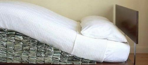 Mattress containing almost 20 million dolars /from plus55.com