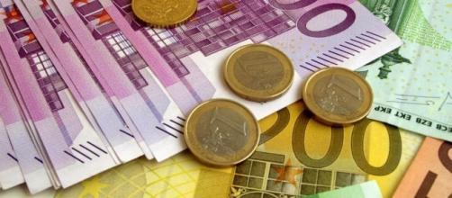Pagamenti in contanti. Il limite di 3.000 euro e non solo