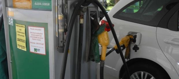 Consumidores mineiros pagarão mais caro pela gasolina e etanol