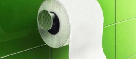 Seja com ducha, seja à base de papel, limpeza adequada evita irritações na pele e até mesmo infecções