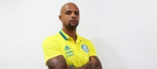 Felipe Melo chega como o principal reforço do Verdão para a temporada 2017 (Foto: Fabio Menotti/Ag. Palmeiras)