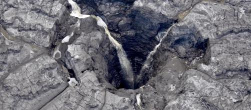 Massive Sinkhole Leaks Radioactive Water Into Florida's Aquifer - forbes.com