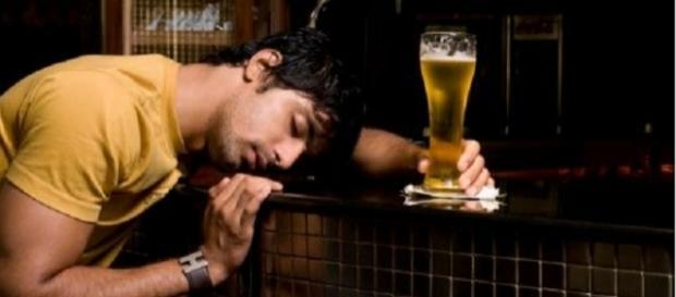 A bebida alcoólica pode ser muito prejudicial para o sono