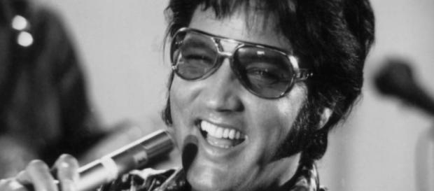 Hear Elvis Presley Sing 'Suspicious Minds' With the Royal ... - wsj.com
