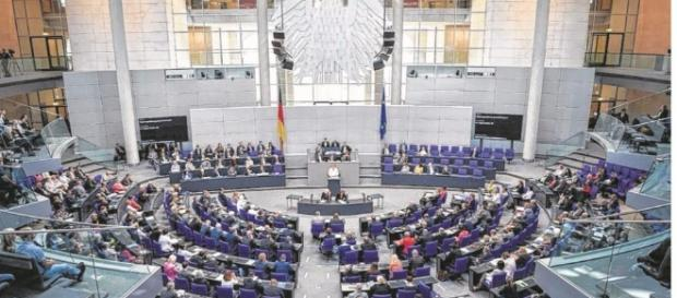 Satte Nebenverdienste im Bundestag | Unsere Politiker kassieren ... - bild.de