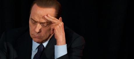 Berlusconi e la questione closing con i cinesi - thefrontpage.it