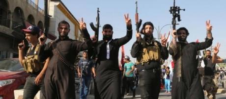 False campagne di fondi a scopo benefico finanziano i terroristi dell'Isis