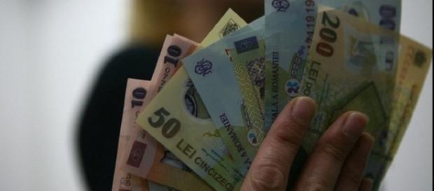 Programul Primul Salariu va garanta un salariu de 2500 de lei